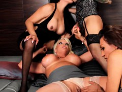 Sexy shemales sucking and fucking in group