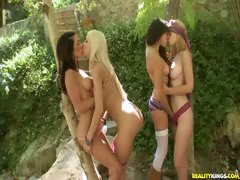 Sammie invites her sex friends to an outdoor orgy.