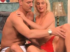 Hot and sexy blonde mature slut with nice ass gives hot
