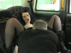 Amateur slut fucked in the cab not knowing shes being filmed